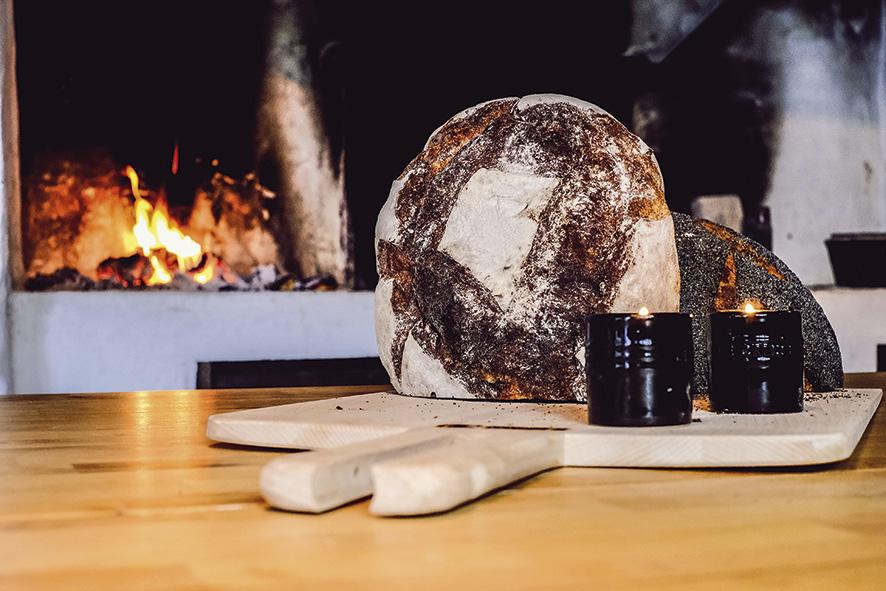 For tiden tilbyr Rosenkildehaven Bageri fem ulike brød, Pain de Campagne; landbrød, brød av urkornet Emmer, Dansk Rugbrød, Svensk Tradisjonsbrød fra Gotland og Grovt Firkorn.